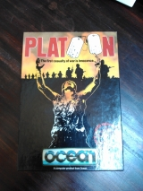 Platoon de Ocean Software pour Commodore C64 (cassette en version big box)